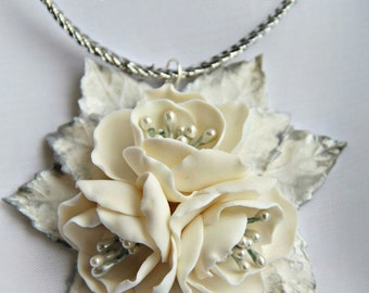 Necklaces White Flowers