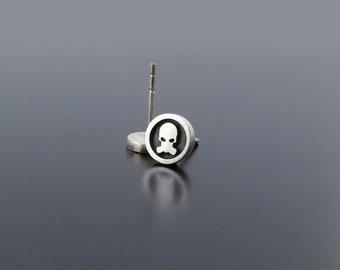 Silver Skull Earrings, Skull studs, Biker earrings, punk jewelry, punk silver earrings, skull earring posts for biker, bike jewelry