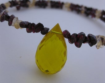 Bright Sunshine Yellow Crystal Choker Style Memory Wire Necklace - Yellow Faceted Crystal Teardrop Pendant w/Citrine & Garnet Gemstone Chips