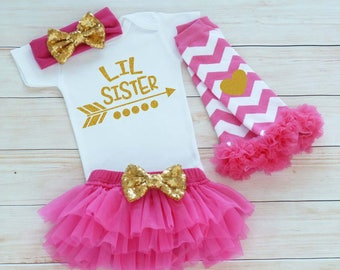 Baby Girl Outfit, Little Sister, Little Sister Shirt, Take Home Shirt, Baby Sister Outfit, Little Sister Bodysuit, Baby Girl Gift, Baby Tutu