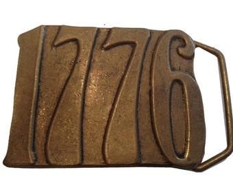 Vintage 1776 Bicentennial Belt Buckle - Solid Brass - gifts - Mothers Day Gift Idea