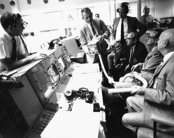 Deke Slayton Shows The Proposed Make-Shift Carbon Dioxide Filter For The Apollo 13 Lunar Module - 5X7, 8X10 or 11X14 NASA Photo (AA-826)