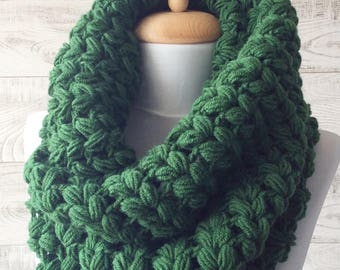 Chunky Scarf Infinity Scarf Knit Cowl Winter Scarf Circle Scarf Crochet Cowl Many Colors / Fast Delivery