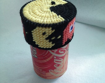 Pac-Man Soda Pop Can Topper Drink Charm Plastic Canvas Cover