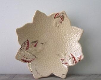 Vintage Wade Bowl Leaf Design Gold Blush Bramble