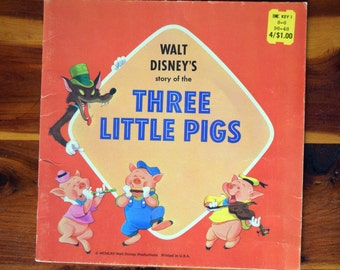 Walt Disney's story of the Three Little Pigs/MCMLXV Walt Disney Productions/Golden Press/Western Publishing Company/Paperback illustrated