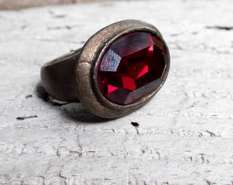 SALE Vintage Large Red Faceted Glass Ring Size 6  || Large Vintage Ring | Red Ring | Large Red Ring | Black Tie | Vintage Ring Under 50