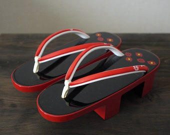 Second hand woman's geta, Japanese wooden sandal for woman, wood, black and red