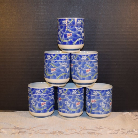 Blue Floral Tea Bowl Set Vintage Floral Footed Tea Cups Set of 6 Porcelain Asian Handleless Cups Oriental Style Asian Kitchen Afternoon Tea