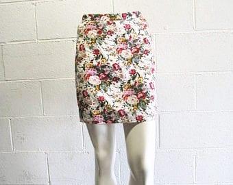 Vintage 90s Floral High Waisted Mini Skirt