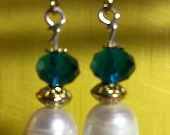 Earrings - Pearl with aqua glass