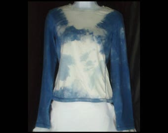 Acid washed medium shirt Athletic Works long sleeve blouse tee bleached top acid wash blue ice arctic cold winter t-shirt (shirt no. 167)
