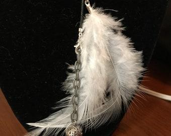 Long feather choker
