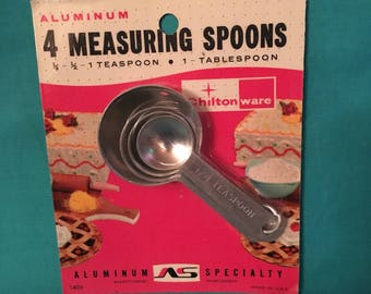 Vintage chilton were measuring spoons
