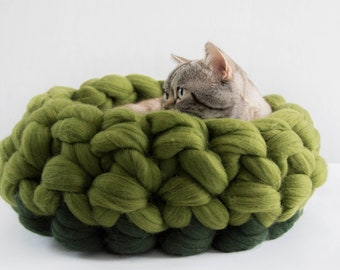 Green Round Cat Basket, Chunky Cat Mat, Chunky Knits Merino Cat Cot, Pet