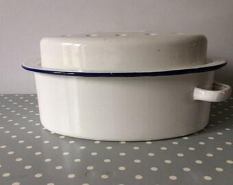 Vintage white and blue trim enamel dimpled roasting pot/one handle/casserole dish/vintage 1950s/kitchenware/farmhouse/shabby chic