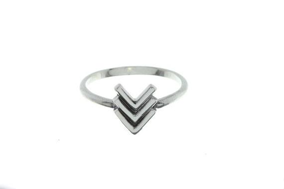 Sterling Silver Arrow Ring, Gemetric ring, Minimilast Ring, Wild Child Ring,  Boho Ring, Stacking ring
