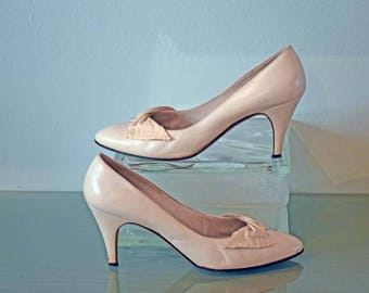 Bruno Magli Light Cream Pumps with 3 Inch Heels and Instep Bows Size 7 AA Narrow Width Made in Italy - GENUINE LEATHER
