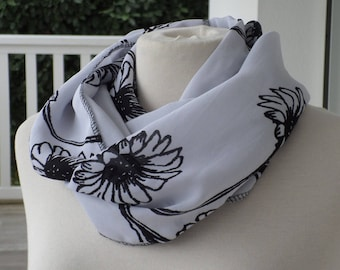 Snood scarf neck scarf woman black and white