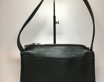 Rare beautiful and elegant Coach Black Leather Shoulder Bag 9092 Nickel Hardware YKK Top Zipper