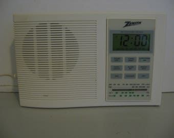 Vintage Zenith AM FM Radio Clock with TV Band - White