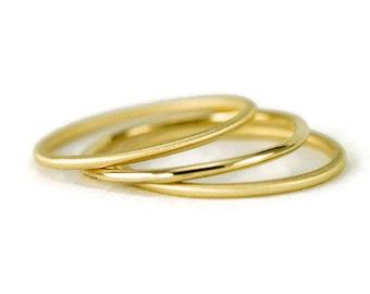 18K Gold Ring Band - Slender 1.3mm 18k Hammered Gold Stack Ring - 18k Smooth Halo Ring