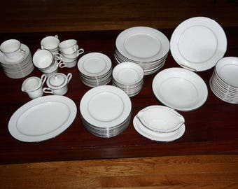 88 Pieces of Noritake Sorrento Ivory China Dinnerware Set