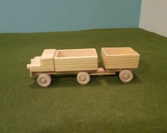 Wood Pick Up Truck with Trailer - Closed End
