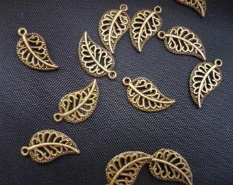 30 pcs Antique Bronze Leaf Charms 18mm (BC362)