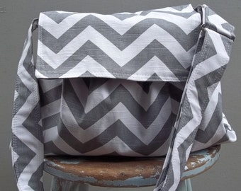 Grey White Chevron Messenger Bag - 3 Slip Pockets - Key Fob - Adjustable Strap