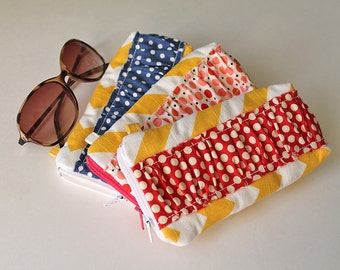 Sunglasses case, Eyeglass case, zipper pouch. Ruffles Sunnies case. Yellow Chevron Canvas. Gift for mom, wristlet clutch, minimalist wallet