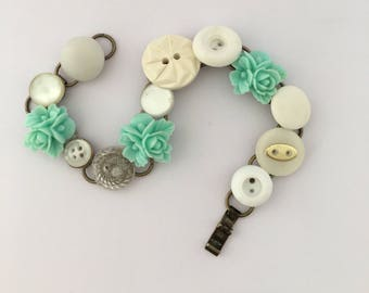 mint and white, Chain Bracelet, Vintage Buttons and Notions, Button Bracelet, Mint Bracelet, Cream Bracelet