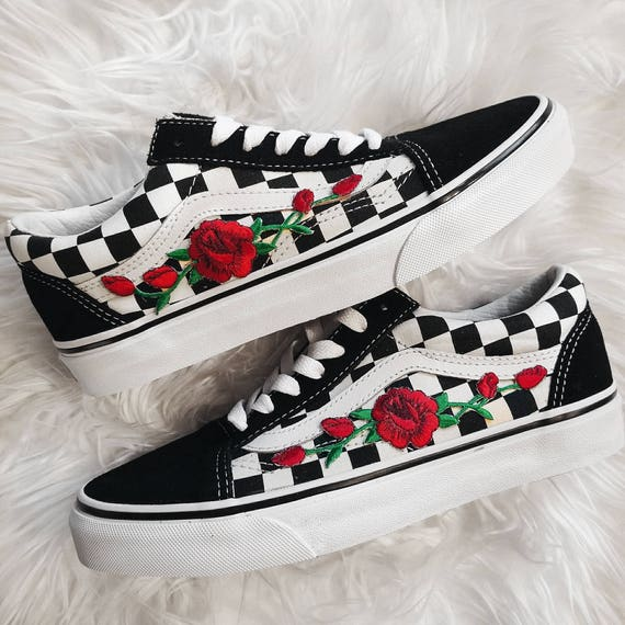 vans black and red checkered