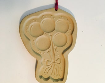 The Pampered Chef 'Celebration Baloons' Cookie Mold - Made in USA, 1991