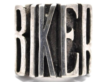 T12B03 Vintage G & S Biker Text Word Art Silver Ring Size 11.25