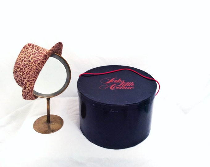 SAKS FIFTH AVENUE black with lift-off lid red twisted rope handle