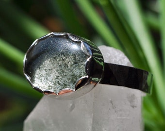 Mossy Lodolite Quartz with Hammered Band (size 8)