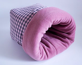 cat bed, dog bed, cat sleeping bag, dog sleeping bag, pet sleeping bag, cat cave, snuggle sack for cats (checked/mauve)