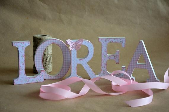 Art culos similares a letras de madera decoradas nombres - Letras de nombres para decorar ...