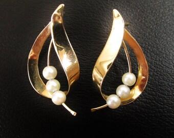 Vintage 14k Gold and Pearl Earrings