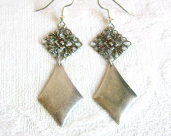 Long Silver Filigree Earrings with Diamond Shape