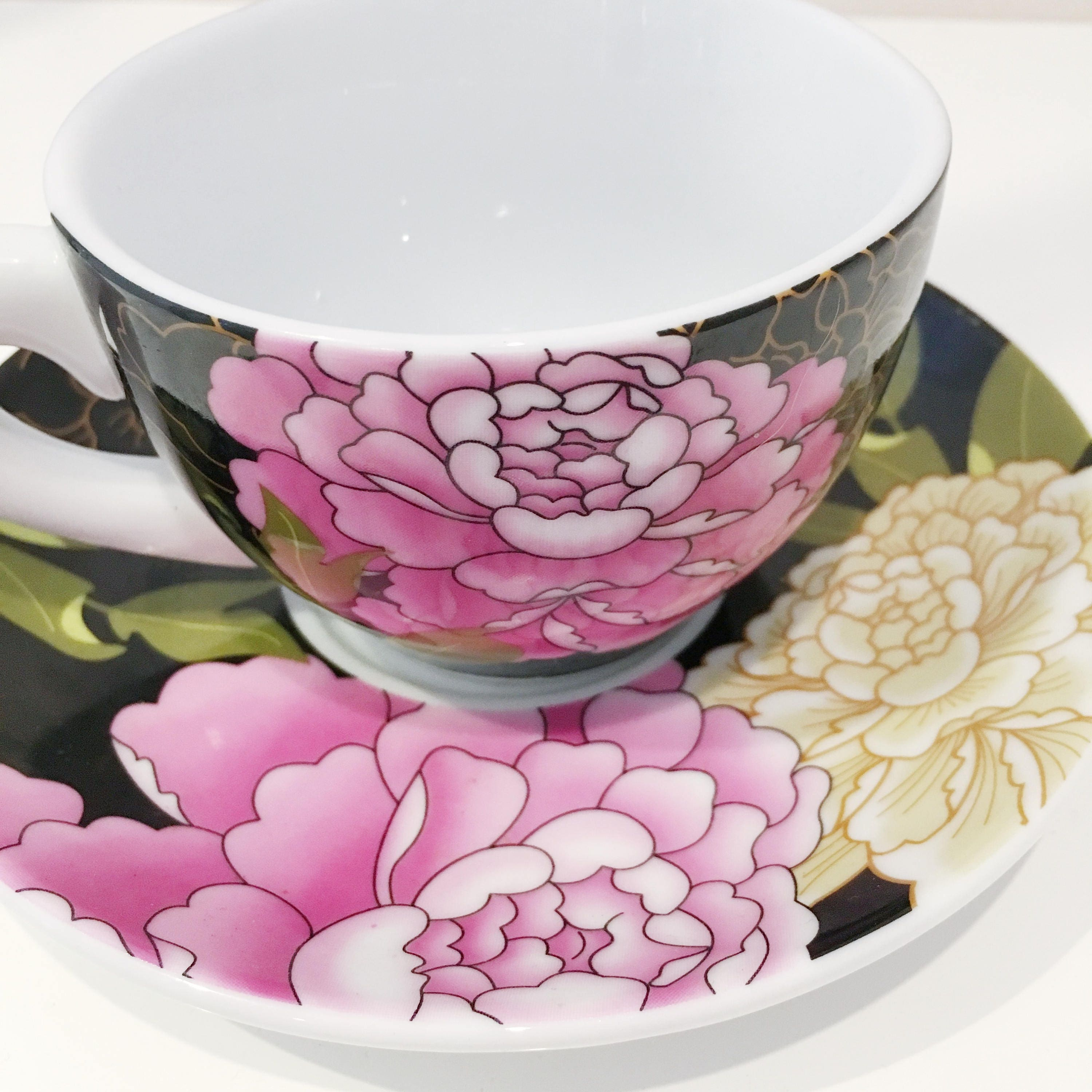 Oriental styled teacup candle