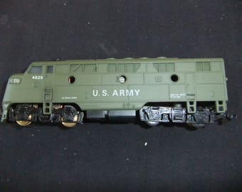 Vintage Railroad HO Scale US Army Cox 4 Piece Train Set - Made in Hong Kong 1970's