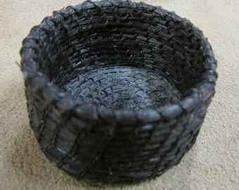 """Tohono O'Odham Horsehair Basket 1 3/8"""" diameter"""