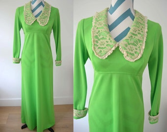 Vintage 1970s Green Maxi Dress with Long Sleeves and Cream Lace Collar - Empire Waist Lime Green Long Retro Disco Dress - Tie Belt - Small