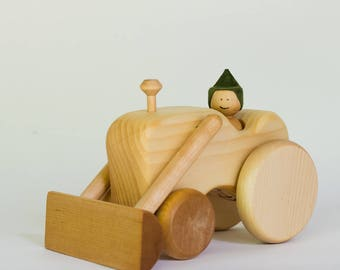 Natural wooden tractor, wooden tractor by l'Atelier Cheval de bois