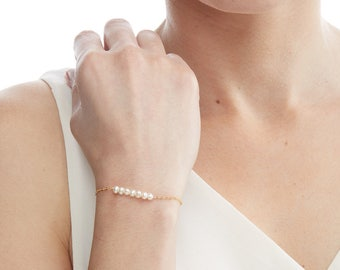 Small Freshwater Pearl Bracelet -Simple Minimal-Bridal Wedding Bride Bridesmaid-14k Gold Filled, Rose Gold Filled, Sterling Silver - CG258B