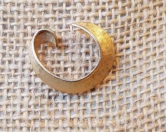 Vintage Trifari brooch, Trifari pin, C brooch, C pin