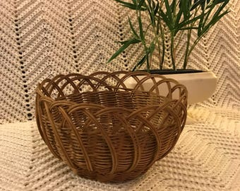 Vintage Scalloped Wicker Basket