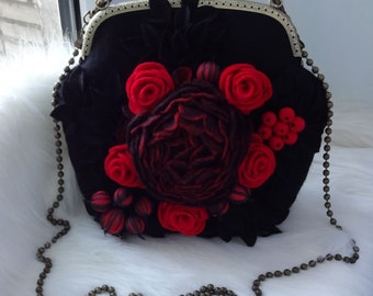 Woman bag KARMEN Flowers bag Wool felted bag with red flowers and berries Wool purse felted Shoulder bag & accessories Black red soulder bag